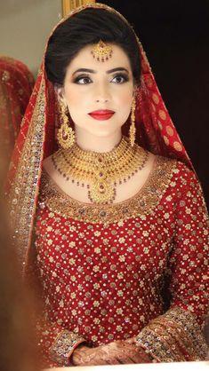 Magnificent gold bridal jewellery set