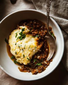 FRENCH ONION SHEPHERD'S PIE WITH LENTILS & CREAMY CAULIFLOWER POTATO MASH » The First Mess // Plant-Based Recipes + Photography by Laura Wright