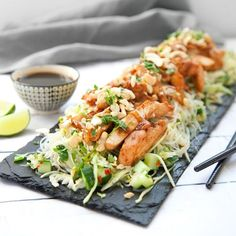Asian Recipes, Healthy Recipes, Ethnic Recipes, 300 Calorie Lunches, 3 Course Meals, Foods To Eat, Love Food, Chicken Recipes, Food Porn