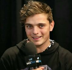 "좋아요 107개, 댓글 4개 - Instagram의 martin garrix(@fc_martin_garrix)님: ""Cute Martin ➕❌ Follow us on Facebook : link in bio✍ . #martingarrix #martingarrixfans…"""