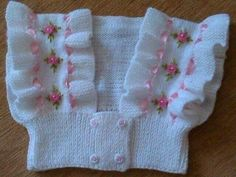 Isabella Baby Vest The Crosso Knitting For Kids, Baby Knitting Patterns, Hand Knitting, Baby Pullover, Baby Cardigan, Sweater Blanket, Baby Hut, Robes Tutu, Diy Crafts Crochet