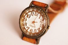 Vintage Watch. Handstitch. Leather Band ///////// Handcraft Watch ///////// Liña. $185.00, via Etsy.