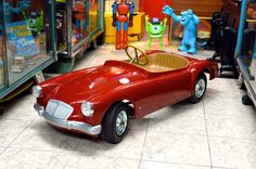 1958 MGB Pedal Car Weird Cars, Cool Cars, Antique Toys, Vintage Toys, Soap Box Cars, Balance Bike, Kids Ride On, Pedal Cars, Prams
