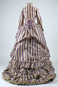 Visiting dress Date: 1867 Culture: French Medium: silk, wool, cotton Dimensions: Length at CB (a): 27 in. cm) Length at CB (b): 57 in. 1870s Fashion, Edwardian Fashion, Vintage Fashion, French Fashion, Vintage Outfits, Vintage Gowns, Antique Clothing, Historical Clothing, Victorian Costume