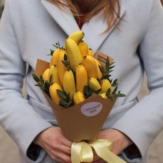 Image may contain: flower Food Bouquet, Gift Bouquet, Candy Bouquet, Boquet, Chocolate Flowers, Chocolate Bouquet, Flower Packaging, Food Packaging, Deco Fruit