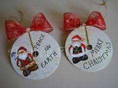 Resultado de imagen para manualidades navideñas con material reciclado para niños de primaria
