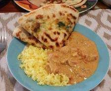 Garlic, spinach and cheese naan Egg Free Recipes, Paleo Recipes, Indian Food Recipes, Cooking Recipes, Savoury Recipes, Bread Recipes, Garlic Cheese, Spinach And Cheese, Garlic Naan