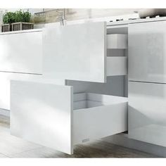 Valikoimassa alumiininen profiililaatikko Salice Lineabox. Varastoväri valkoinen (saatavissa myös samppanja, titanium ja harjattu alumiini). Täysin ulosvedettävät, vaimennetut Futura-kiskot. #salice #lineabox #laatikko #vetolaatikko #profiililaatikko #sisustus #decoration #home #koti #seinajoki #design #sisustustarvikkeet #keittiö