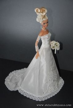 Le Tiziana Atelier - Barbie OOAK main - détail photo Barbie Bridal, Barbie Wedding Dress, Barbie Gowns, Couture Wedding Gowns, Barbie Dress, Barbie Clothes, Bridal Dresses, Barbie Fashion Royalty, Fashion Dolls