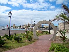 Kings Wharf, Bermuda ~ the kissing arch ... if you kiss your love one under this arch you will have a lifetime of happiness together <3
