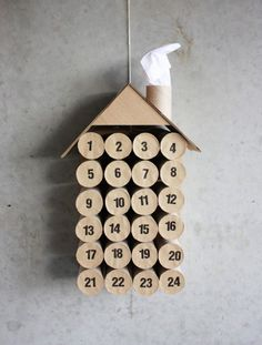 DIY Toilet Paper Roll Christmas Calendar - I must remember to start collecting rolls a few weeks before december...