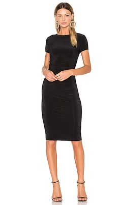 9417a35ef2d53ef Norma Kamali Short Sleeve Shirred Dress in Black | REVOLVE Платье На  Широкой Резинке, Платье