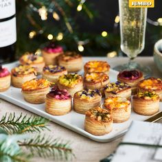 Bekijk ons grootste kerstassortiment ooit. Easy Party Food, Party Food And Drinks, Ny Food, Christmas Food Treats, Happy Foods, Lunch Snacks, Recipes From Heaven, Cute Food, High Tea