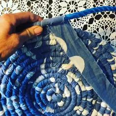 Rope Crafts, Fun Diy Crafts, Yarn Crafts, Sewing Crafts, Rag Rug Diy, Rag Rugs, Crochet Projects, Sewing Projects, Fabric Bowls