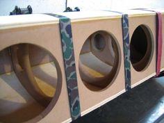 Shared by Speaker Build Diy Subwoofer, Subwoofer Box Design, Speaker Box Design, Diy Speakers, Built In Speakers, Car Audio Installation, Loudspeaker, Diy And Crafts, Woodworking