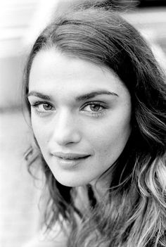Rachel Weisz is flawless in black and white. Rachel Weisz, People Of Interest, Hollywood, Face Characters, Portraits, No Photoshop, Famous Faces, Black And White Photography, Actors & Actresses