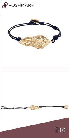 Sculpted feather bracket Chloe + Isabel Chloe + Isabel Jewelry Bracelets