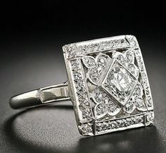 Jewelry Diamond : Square Art Deco Diamond Cocktail Ring – – Lang Antiques - Buy Me Diamond Anel Art Deco, Bijoux Art Nouveau, Art Deco Ring, Art Deco Jewelry, Fine Jewelry, Jewelry Design, Jewellery Box, Jewelry Rings, Sterling Silver Jewelry