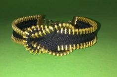 Zipper Bracelet - Video Tutorial