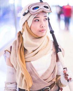 I love hijab cosplay :)))) she looks awesome!
