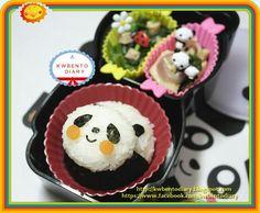 Twitter from @kwbentodiary Panda onigiri ♥ #obentoart @ http://kwbentodiary.blogspot.com/2013/01/bentojan11panda-chick-onigiri.html?m=1