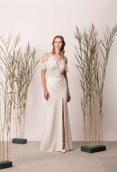 V-nyakú, ejtett vállú, nyitott hátú, sellő menyasszonyi ruha Bridesmaid Dresses, Wedding Dresses, White Dress, Couture, Modern, Collection, Fashion, Bridesmade Dresses, Bride Dresses