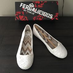 🆕 Fergalicious white flats White crochet style new never worn size 7.5 in original box . Paid $40 plus tax . Price is Firm !! ❌No Trades❌ Fergie Shoes Flats & Loafers