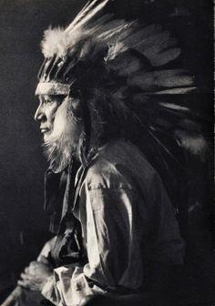 Tasunke Wamniomni (aka Whirlwind Horse) the son of Little Dog and Bird Eagle - Oglala - 1898