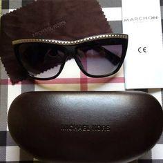 d76aca41a7120 Encontre Michael Kors Oculos De Sol Preto E Prateado Com Aplicacoes - Óculos  no Mercado Livre Brasil. Descubra a melhor forma de comprar ...