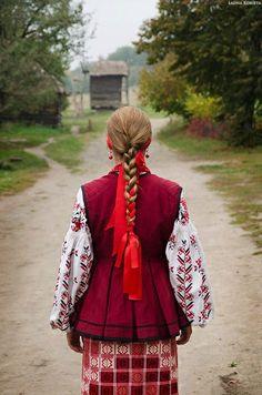 Traditional Ukrainian costume #cobblestonefreeway #culturetours #adventuretours #culture #tradition #traveltoukraine #travelinspiration www.cobblestonefreeway.ca