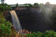 Devil's Punchbowl, Stoney Creek, Ontario, Canada