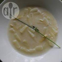 Spargelcremesuppe (mit Schalen)