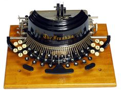 Franklin 2 Typewriter invented by Wellington Parker Kidder. Tilton Manufacturing Co. of Boston 1892 - serial The Martin Howard Collection Typewriter For Sale, Antique Typewriter, Writing Machine, Vintage Typewriters, Vintage Suitcases, Vintage Luggage, Vintage Cameras, Decoration Inspiration, Computers