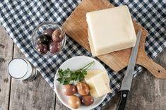 Καλοκαίρι στην Ελλάδα χωρίς μπύρα, ούζο ή τσίπουρο, δε γίνεται. Ούζο, τσίπουρο και μπύρα στην Ελλ... Dairy, Cheese, Food, Essen, Yemek, Meals