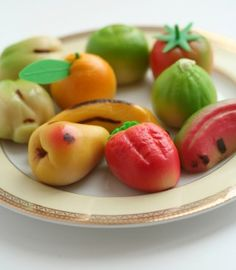 Making marzipan fruits can be a wonderful way to create gluten free Christmas treats for all the family Sweets Images, Strawberry Roll Cake, Marshmallow, Marzipan Fruit, Almond Sugar Cookies, Gourmet Desserts, Gluten Free Cooking, Something Sweet, Christmas Treats