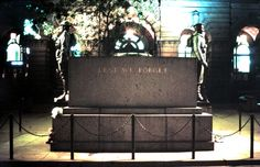 .Cenotaph, Martin Place Sydney.. One night in 1976.