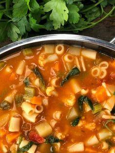 Types Of Food, Cheeseburger Chowder, Chili, Vegan, Cooking, Ethnic Recipes, Soups, Magazine, Kitchen