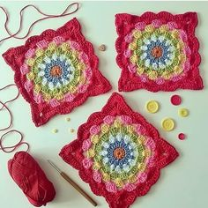 Crochet granny square - free pattern and tutorial.just updated : Crochet granny square – free pattern and tutorial…just updated Granny Square Crochet Pattern, Crochet Blocks, Crochet Squares, Crochet Motif, Crochet Afghans, Free Crochet, Knit Crochet, Blanket Crochet, Crochet Flowers