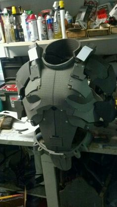 to Make Foam Armor How to make foam gear, this would be awesome for an Airsoft outfit.How to make foam gear, this would be awesome for an Airsoft outfit. Armadura Cosplay, Armor Cosplay, Cosplay Diy, Destiny Cosplay, Halo Cosplay, Cosplay Style, Tutorial Cosplay, Costume Tutorial, Medieval Combat