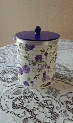 Repurposed_Baby_Formula_Jars (how to make) - by Annie Hamman - Salvabrani Tin Can Crafts, Farm Crafts, Easy Diy Crafts, Recycled Crafts, Handmade Crafts, Mason Jar Crafts, Bottle Crafts, Decoupage Tins, Painted Tin Cans