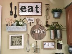 Best Dining Room Wall Decor Ideas 2018 (Modern & Contemporary Pictures) My kitchen gallery wall Dining Room Wall Decor, Country Farmhouse Decor, Farmhouse Kitchen Decor, Country Kitchen, Rustic Decor, Wall Decor For Kitchen, Kitchen Wall Design, Antique Kitchen Decor, Country Wall Decor