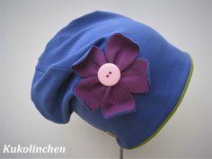 Mützen -  Beanie mit Blüte - ein Designerstück von Kukolinchen bei DaWanda
