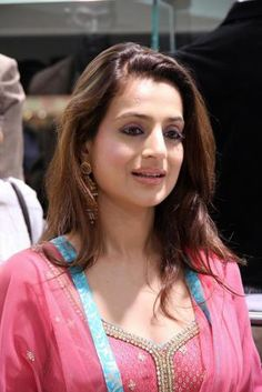 Ameesha Patel filed legal case in Civil Court against uncles!