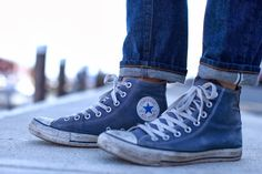 Nicely broken in pair of Converse--with cuffed jeans & no socks Blue Converse, Jeans And Converse, Converse Sneakers, Converse All Star, Converse Chuck Taylor, High Top Sneakers, High Heels, Mens Cuffed Jeans, Summer Shoes