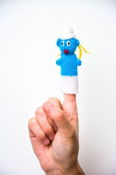 Finger Puppets / Smurf. Hand knitted in Peru. Great to keep children entertained. Only £0.80 each: www.raices.co.uk