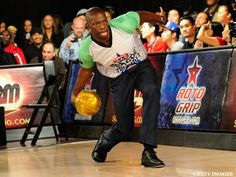 Terrell Owens Makes Professional Bowling Debut