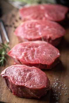 Can you recognize these cuts of meat? Carne Asada Steak, Beef Steak, Meat Recipes, Cooking Recipes, Meat Art, Standing Rib Roast, Carnivore, Food Photography Tips, Meal Planning