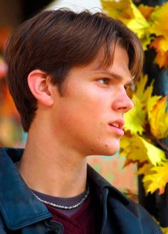 Young Jared Padalecki in Black. is listed (or ranked) 2 on the list 23 Pictures of Young Jared Padalecki Jared Padalecki Gilmore Girls, Gilmore Girls Dean, Beautiful Boys, Pretty Boys, Cute Boys, Gorgeous Guys, Young Sam Winchester, Dean Winchester, Winchester Brothers