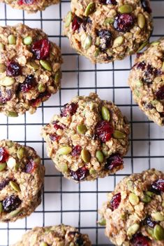 Superfood Breakfast Cookies - Wife Mama Foodie These cookies are jam-packed with nutritious ingredients and healthy enough for breakfast on the go! They're free of gluten, dairy, & refined sugar, and also vegan friendly! Desserts Sains, Snacks Saludables, Healthy Baking, Healthy Cookie Recipes, Protein Bar Recipes, Healthy Protein Balls, Healthy Gluten Free Snacks, Healthy Bars, Superfood Recipes