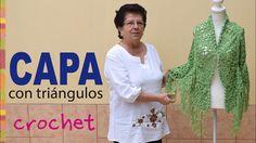 Capa con vuelo hecha con triángulos tejidos a crochet - Tejiendo Perú